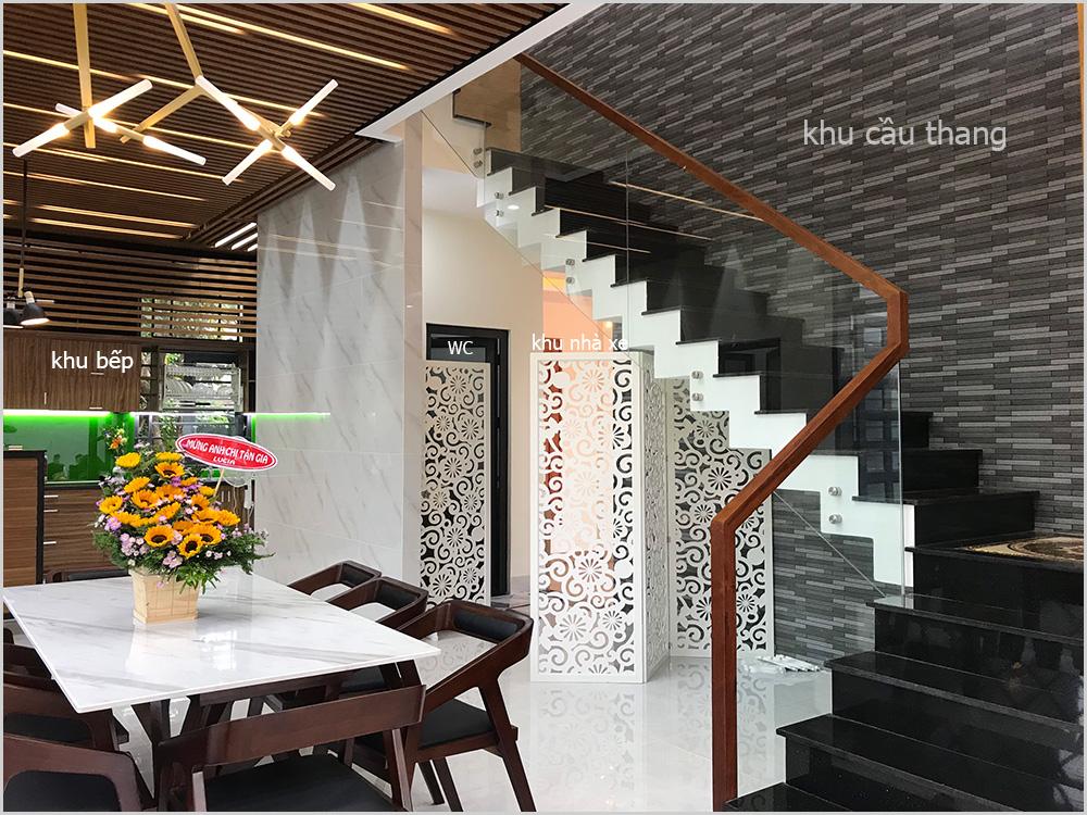 trang tri cau thang biet thu 2 tang 15m dai 20m 1 VinaTrends   Công ty xây dựng tại Đồng Nai hơn 499 công trình thiết kế xây nhà trọn gói trên toàn Việt Nam