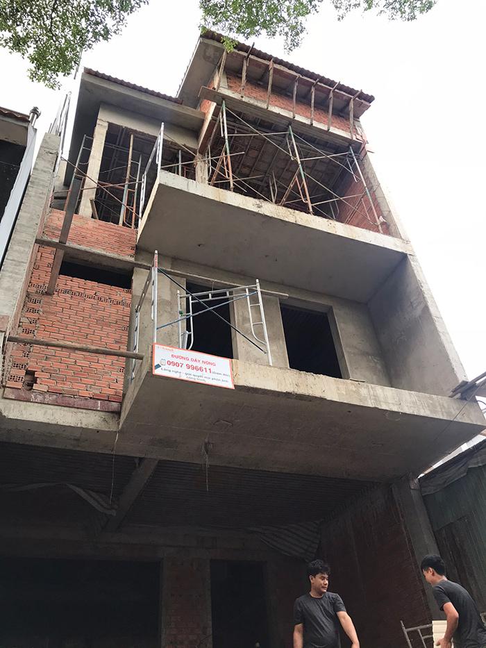 xay nha tron goi o bien hoa 3 tang hien dai 26.10 Mẫu nhà 3 tầng đẹp hiện đại 6,7x12m có 3 giếng trời cho chủ nhà ưu tiên ánh sáng ở Biên Hòa
