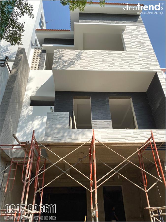 cong ty thi cong xay nha o bien hoa xay nha 3 tang Mẫu nhà 3 tầng đẹp hiện đại 6,7x12m có 3 giếng trời cho chủ nhà ưu tiên ánh sáng ở Biên Hòa