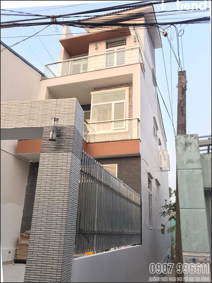 thi cong mau nha 3 tang hien dai dep o bien hoa 6 Mẫu nhà 3 tầng hiện đại 4,7m dài 15m để thỏa mái ô tô đang thi công ở Amata Biên Hòa