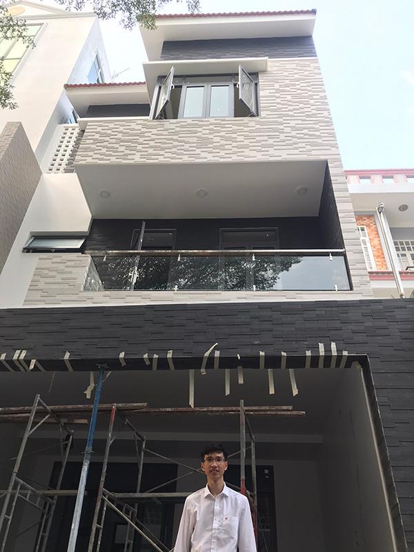 thi cong xay nha 3 tang dep do vinatrends thuc hien 1 Mẫu nhà 3 tầng đẹp hiện đại 6,7x12m có 3 giếng trời cho chủ nhà ưu tiên ánh sáng ở Biên Hòa