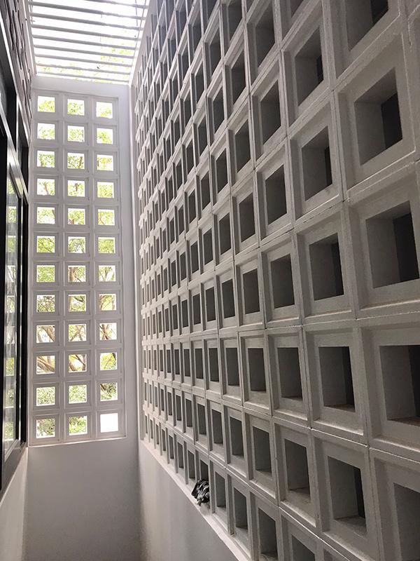 thi cong xay nha 3 tang dep do vinatrends thuc hien 8 Mẫu nhà 3 tầng đẹp hiện đại 6,7x12m có 3 giếng trời cho chủ nhà ưu tiên ánh sáng ở Biên Hòa