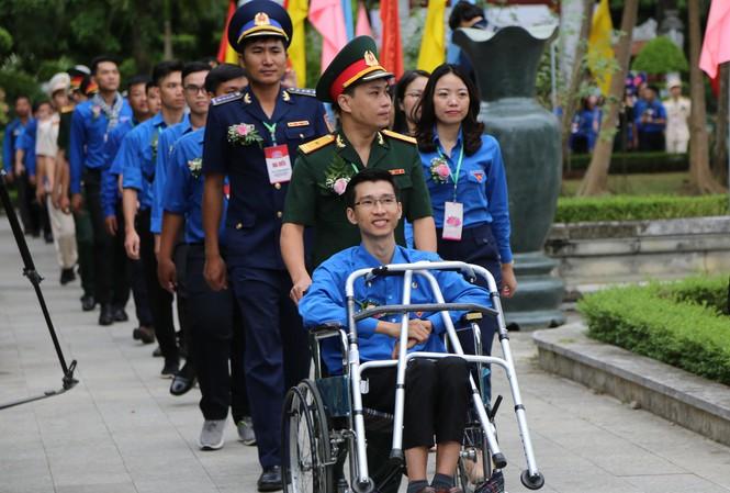 giam doc nguyen ha vinatrends 1 Chàng trai tật nguyền và bước chuyển mình thành ông chủ doanh nghiệp nguồn báo Tiền Phong