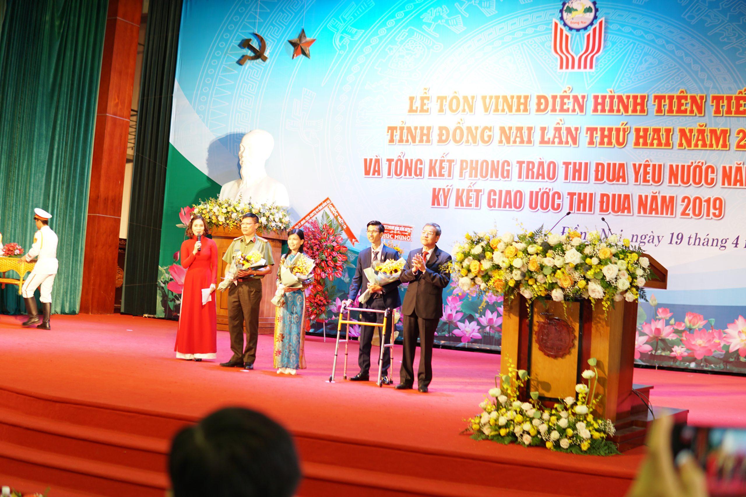 giam doc nguyen ngoc ha vinatrends nhan bang khen ca nhan dien hinh nam 2018 tinh dong nai 10 scaled CEO Nguyễn Hà được tuyên dương điển hình tiên tiến tỉnh Đồng Nai năm 2019