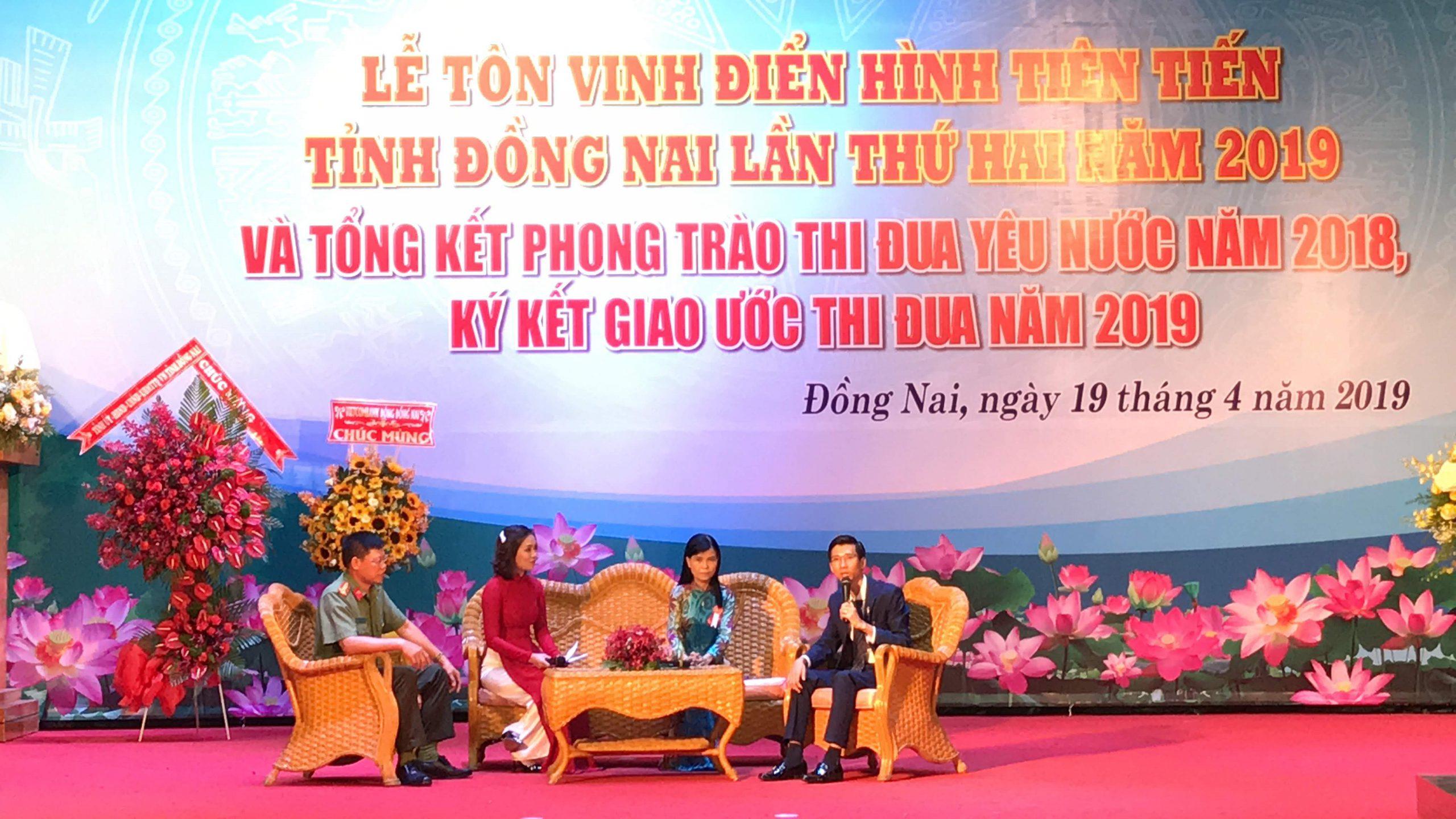 giam doc nguyen ngoc ha vinatrends nhan bang khen ca nhan dien hinh nam 2018 tinh dong nai 8 scaled CEO Nguyễn Hà được tuyên dương điển hình tiên tiến tỉnh Đồng Nai năm 2019