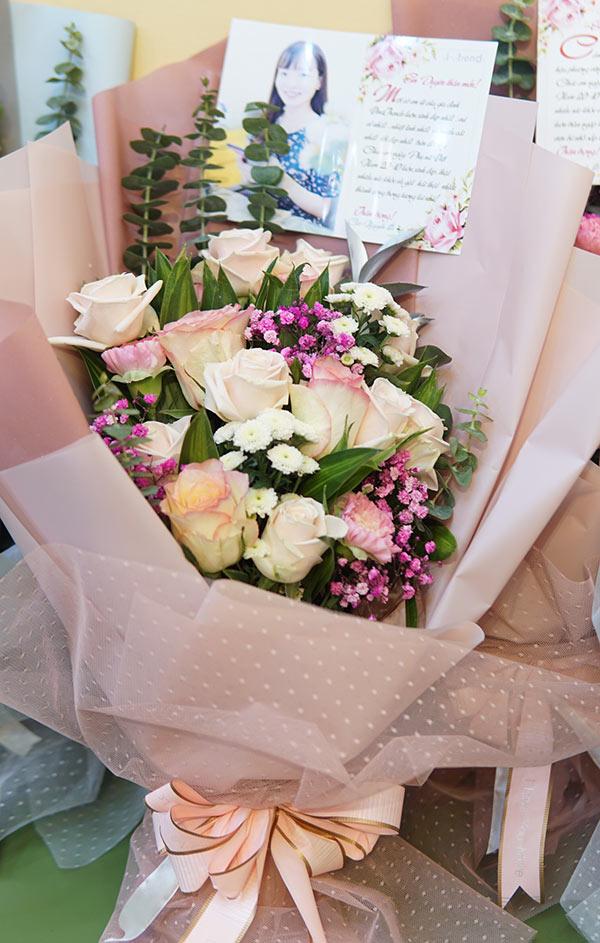 vinatrends tang qua 20 10 cho nhan vien va khach hang 16 VinaTrends mừng ngày Phụ nữ Việt Nam 20/10 cho nhân viên nữ và vợ nhân viên