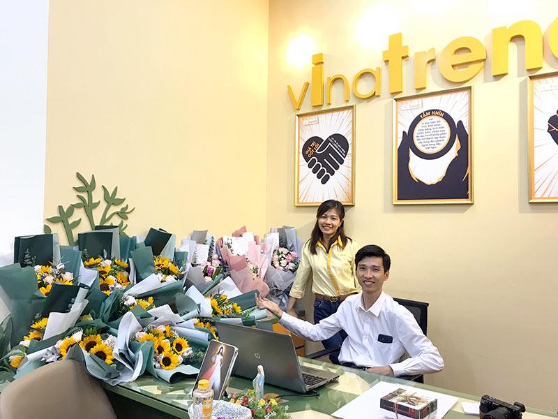 vinatrends tang qua 20 10 cho nhan vien va khach hang 8 VinaTrends mừng ngày Phụ nữ Việt Nam 20/10 cho nhân viên nữ và vợ nhân viên