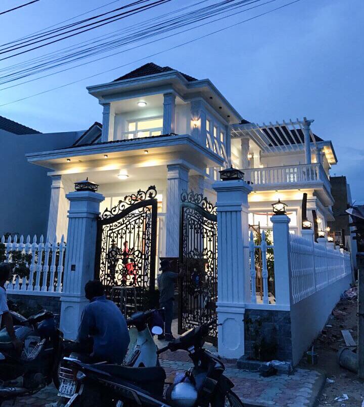 mau nha 2 tang don gian dep Mẫu nhà vườn biệt thự 2 tầng đơn giản 10x20,8m có 4 phòng ngủ ở Phan Thiết