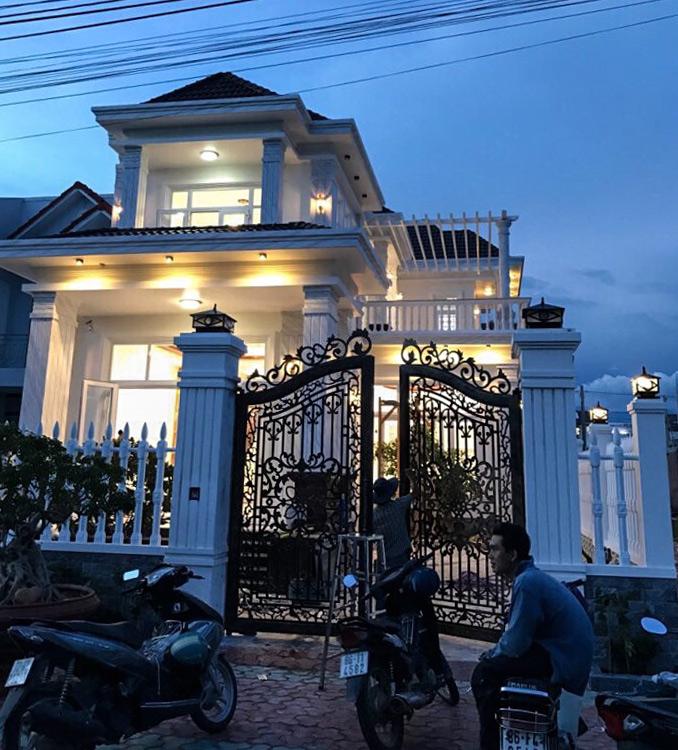 mau nha biet thu 2 tang mai ngoi Mẫu nhà vườn biệt thự 2 tầng đơn giản 10x20,8m có 4 phòng ngủ ở Phan Thiết