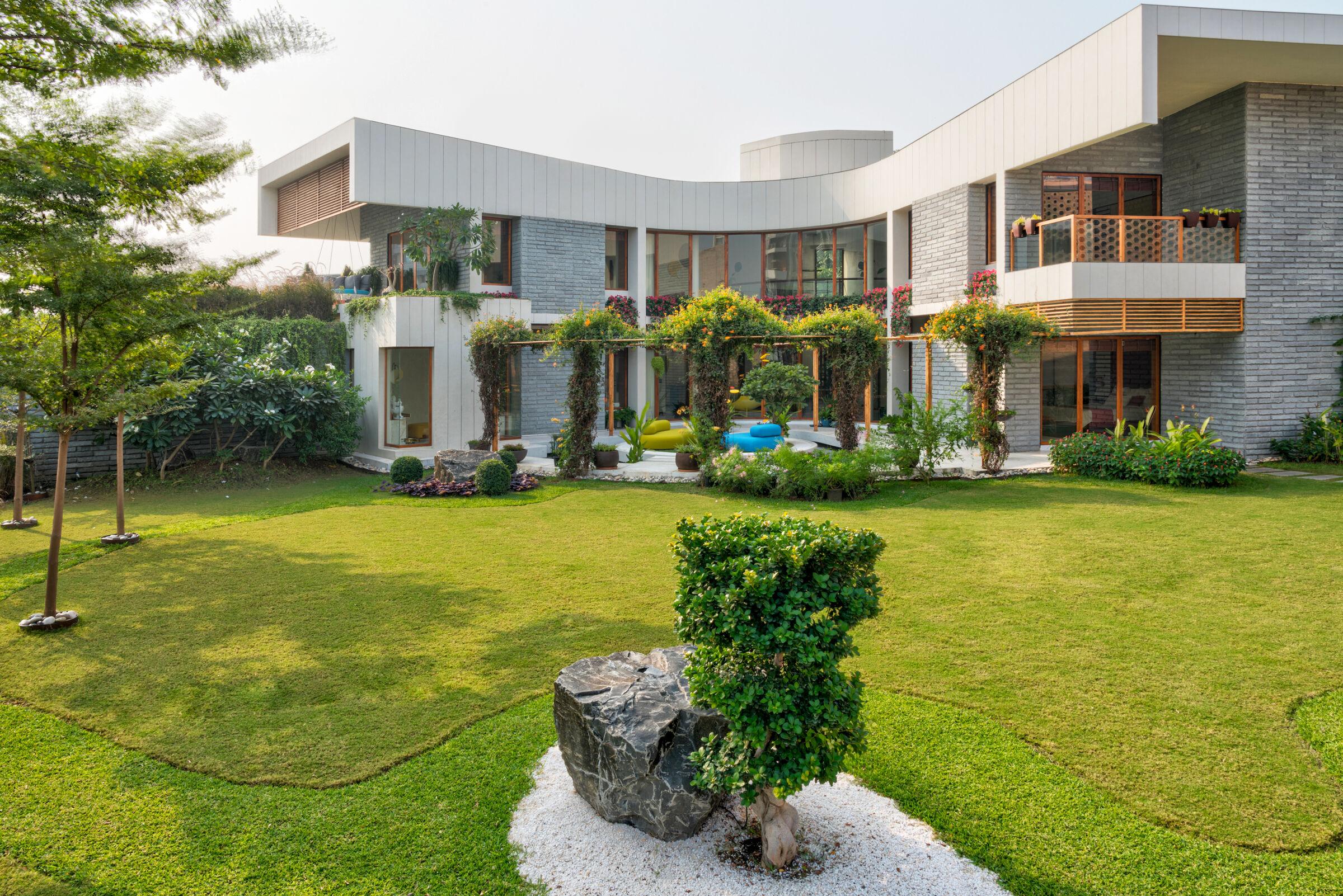 cac mau nha biet thu co san vuon dep nhat the gioi 2 50+ mẫu nhà biệt thự có sân vườn xanh mát mê mọi góc cạnh của thế giới