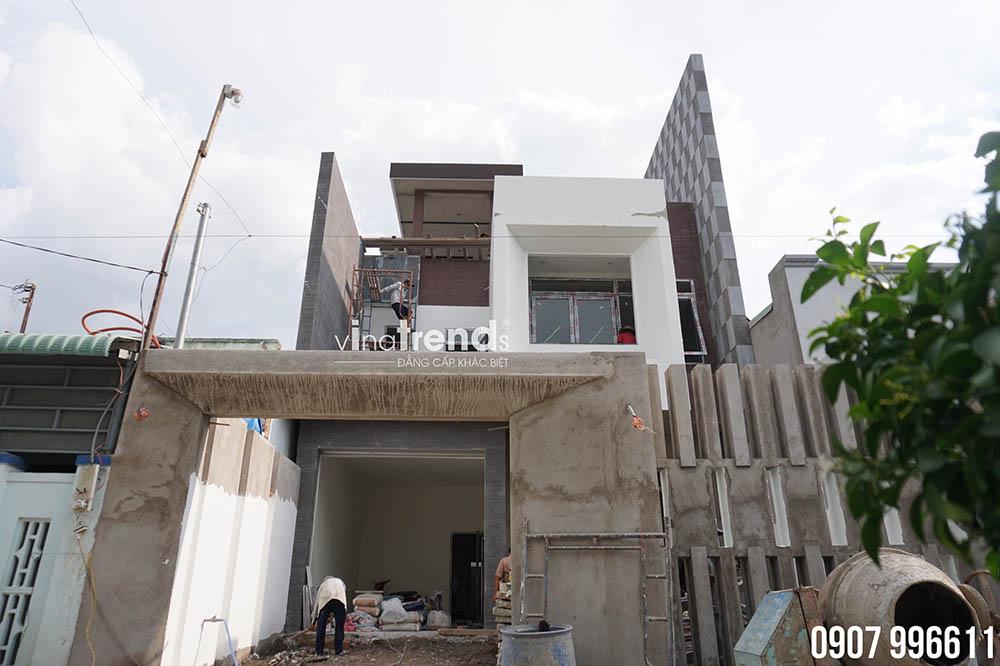 mau nha 2 tang co san thuong hien dai dep Bản vẽ biệt thự 3 tầng hiện đại 8x16,6m chinh phục mỹ mãn cặp vợ chồng đời đầu 8X ở Biên Hòa
