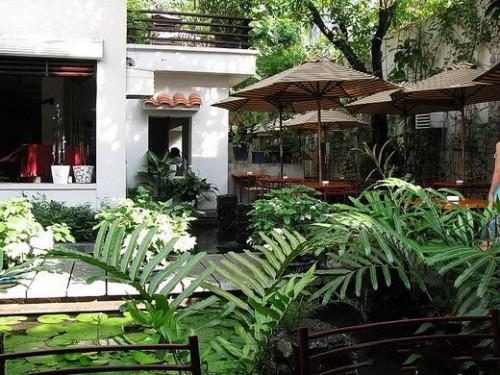 cafe san vuon dep 54 500x375 Top 10 thiết kế quán cafe đẹp TPHCM lay động lòng người   CF050814A