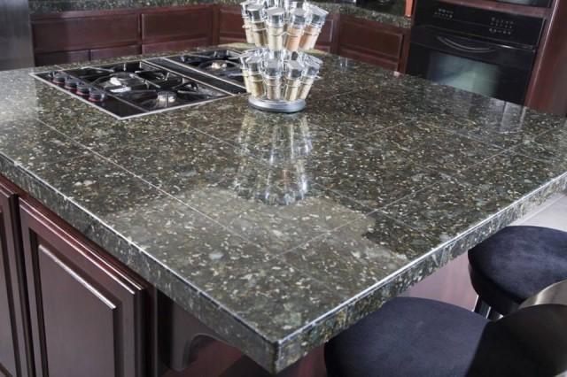 da hoa cuong granite dep bep 7639 640x426 Đá hoa cương đẹp rẻ cao cấp dùng trang trí nội ngoại thất